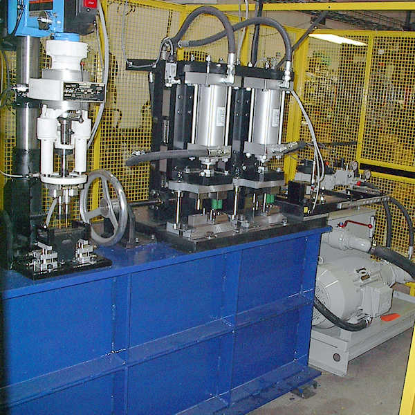 Machining area of the VL    with    turning tools or  optionally  up to     drilling or milling tools  it is possible to perform diverse machining  processes
